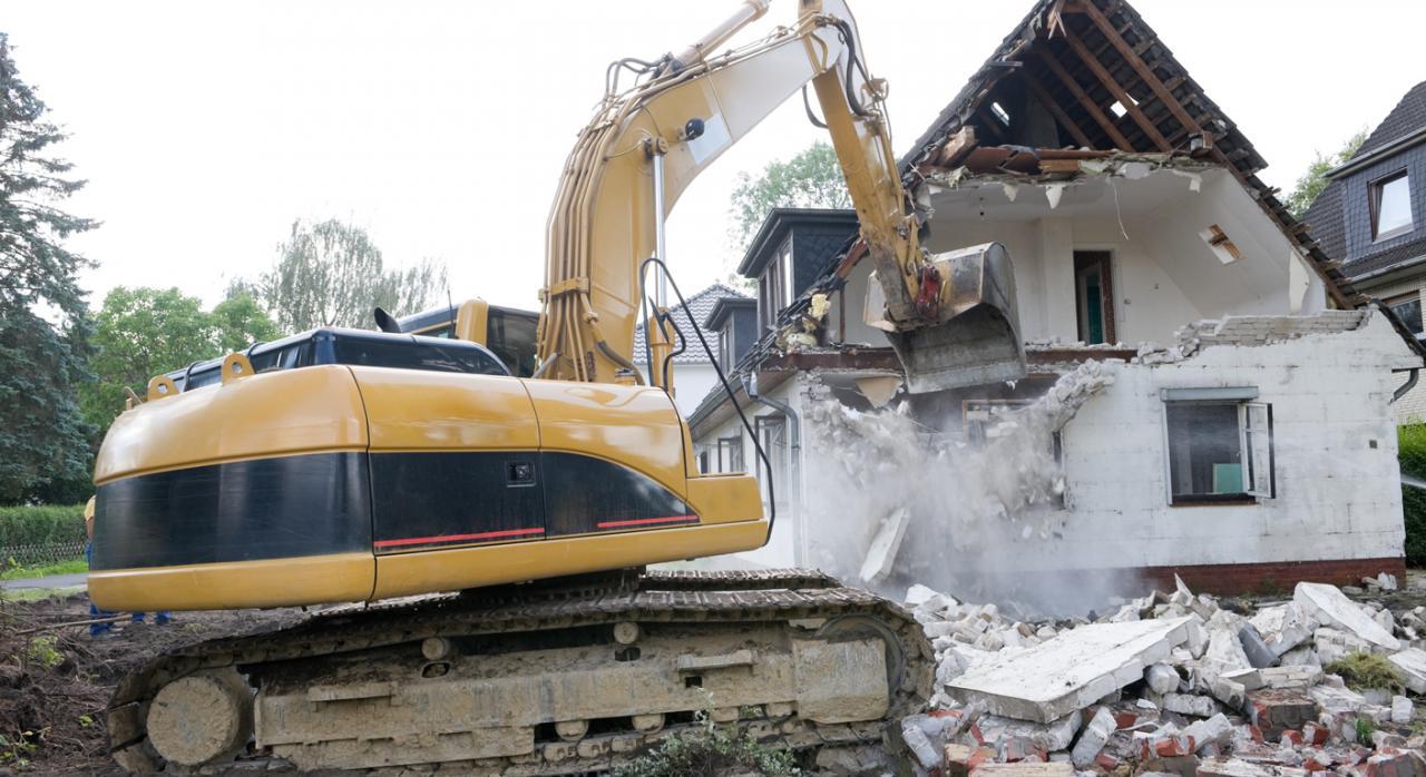 Incidente de imposibilidad legal o jurídica de ejecución de sentencia que ordena la demolición de viviendas e interpretación del artículo 108.3 de la LJCA