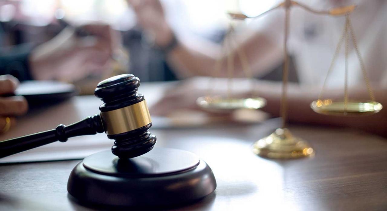 Magistrado. Imagen del mazo de un juez